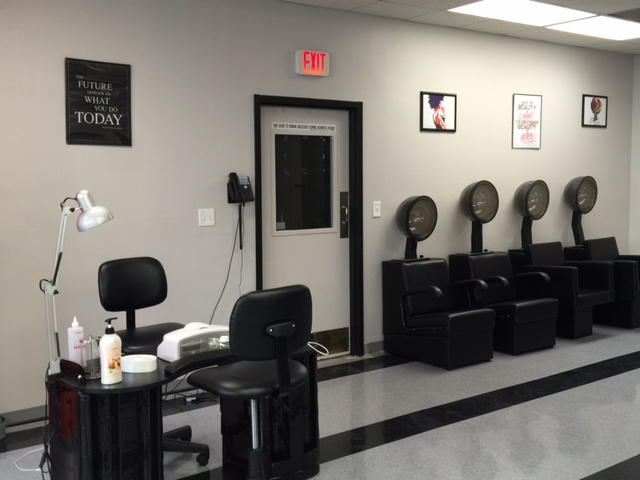 KCK Salon Room